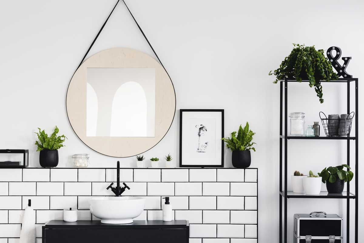 contrasting trim pulls it all together in a bathroom